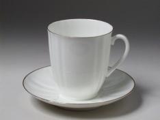 """Чашка с блюдцем чайная, кост.ф. ветерок """"Золотой кантик""""."""
