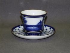 """Чашка с блюдцем чайная, тв.ф. банкетная """"Мост Пестеля""""."""
