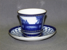 """Чашка с блюдцем чайная, тв.ф. банкетная """"Поцелуев мост""""."""