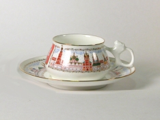 """Чашка с блюдцем чайная, кост.ф. Билибина """"Москва златоглавая""""."""