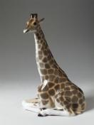 """Скульптура """"Жираф с поднятой головой""""."""